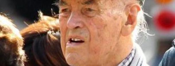 Il Cap. Priebke compie 100 anni, Oh lasciate che un vecchio abbia quiete