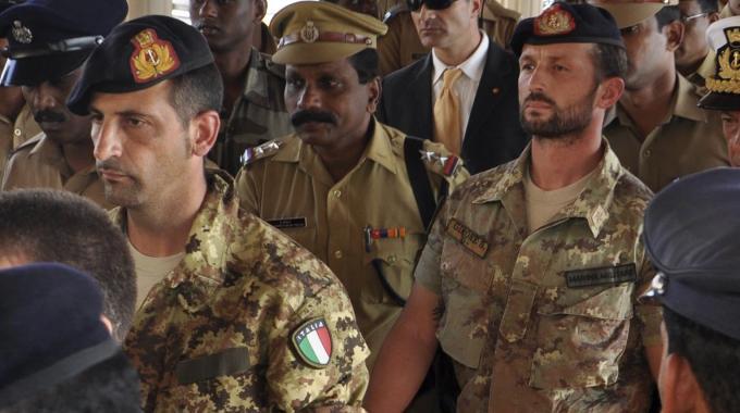 A due anni dall'inizio del caso, al governo interessa veramente far tornare in Italia Girone e Latorre?