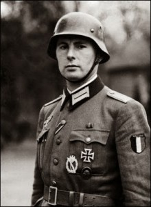 Degrelle in uniforme