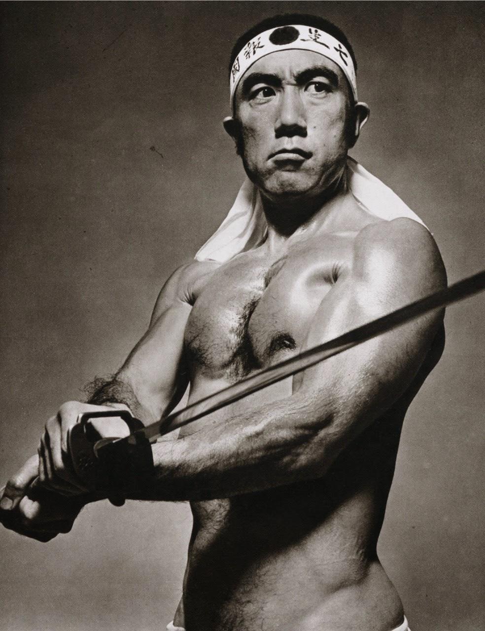 Anniversario della morte di Yukio Mishima. l'uomo che volle vivere per sempre