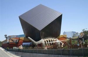 Il Cubo Nero a Santa Ana