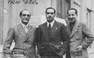 """Nerbini (al centro) con Schiatti e Toppi negli anni Trenta a Firenze, ai tempi del """"420"""""""