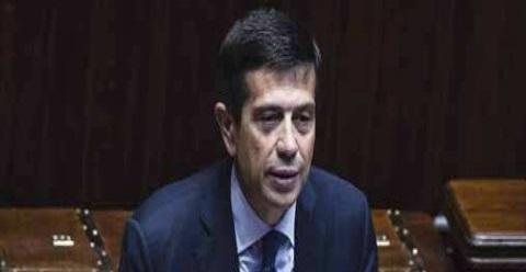Il ministro, il consulente e la politica prigioniera degli alti burocrati