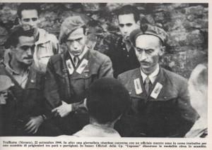 soldati della Rsi durante una trattativa con partigiani per scambio di prigionieri