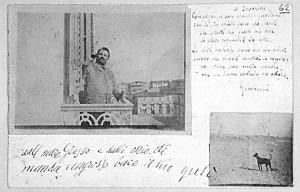 Cartolina postale spedita da Giovanni Pascoli dopo aver incollato del-le foto (una sua e una del cane Gulì)