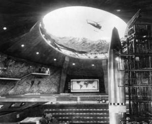 Una base della SPECTRE, come appare in un film di 007 del 1967
