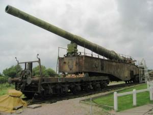 Il cannone ferroviario germanico a lunga gittata Krupp K5, impiegato durante la Seconda Guerra Mondiale