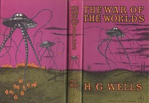 """Una vecchia edizione originale del romanzo """"La guerra dei mondi"""""""