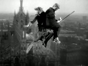 """...anticipa di 15 la metropoli fantastica come appare in """"Miracolo a Milano"""""""