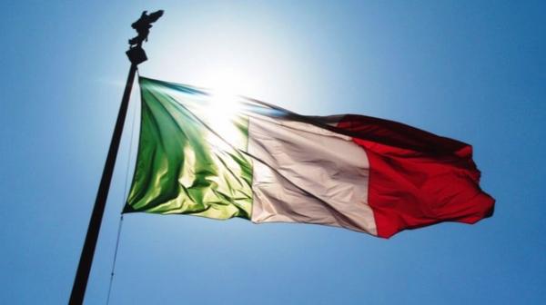 """""""…la fragile e deliziosa Italia ferita che non  muore…""""(1) – Sandro Giovannini"""