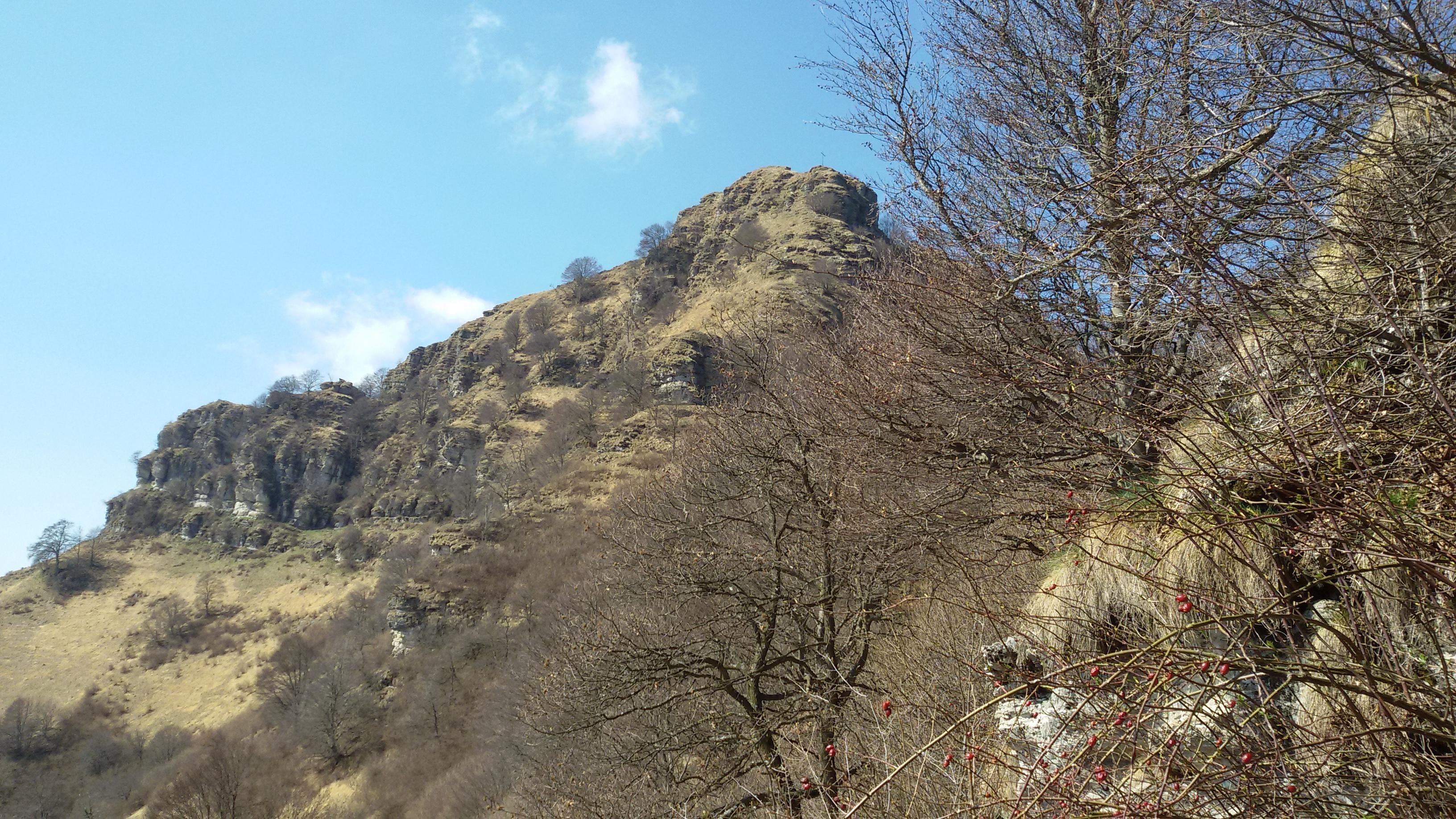 Ascesa alla vetta del Sasso Gordona a cura del Gruppo Escursionistico Pietas – Nord Italia.