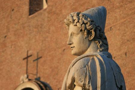 Castor a Roma. Un Dio peregrinus nel foro