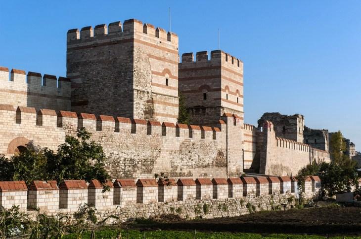 Gli ultimi giorni di Costantinopoli – Roberto Pecchioli