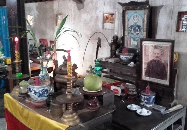 Cartoline dal Viet Nam: il culto degli Antenati. Le analogie con il larario e la Pietas – Paolo Casolari