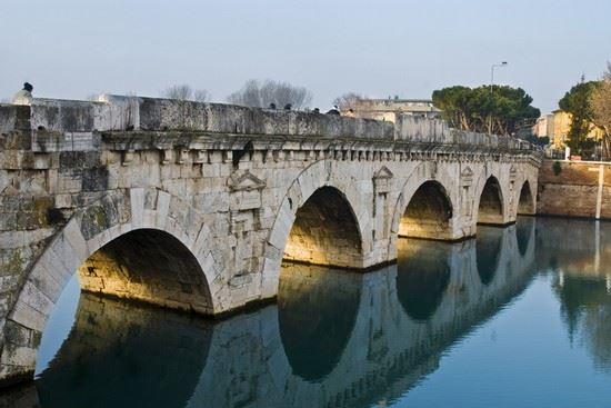 Indecenti e servili 2. Il ponte di Tiberio – Mario Michele Merlino