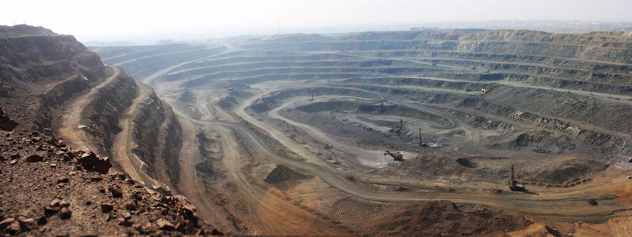 """La lotta per le """"terre rare"""" e le contraddizioni della crescita pulita – Francesco F Marotta"""