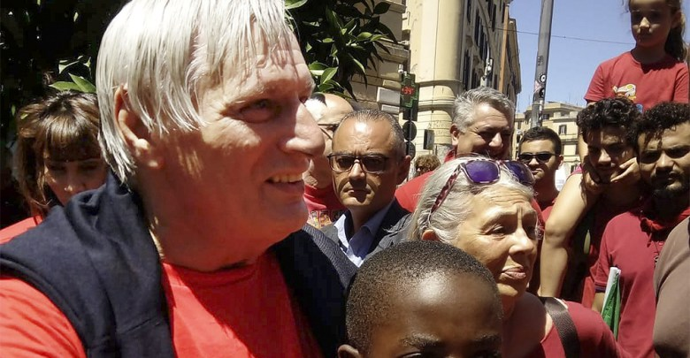 Maglietta rossa la trionferà – Roberto Pecchioli
