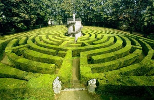 Il labirinto allagato – Vittorio Varano