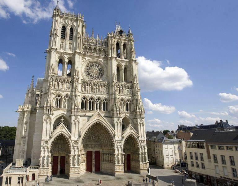La cattedrale di Amiens ed i Numeri Sacri – Stefano Mayorca