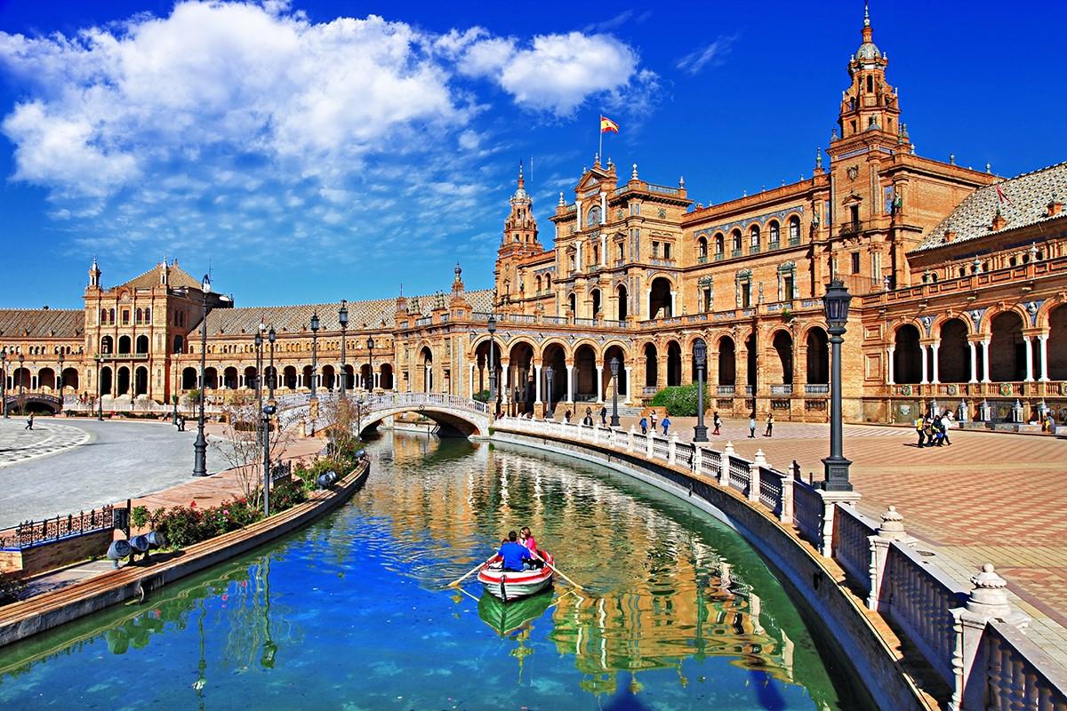 Il fascino di Siviglia e la cattedrale gotica più grande del mondo – Luigi Angelino
