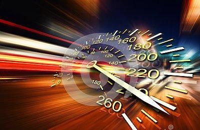 Dromocrazia, il potere della velocità –  Roberto Pecchioli