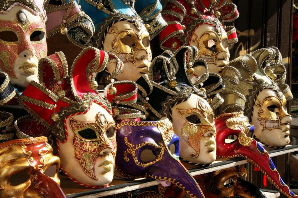 Il carnevale di Venezia.Un ritorno all'ordine–Claudio Antonelli