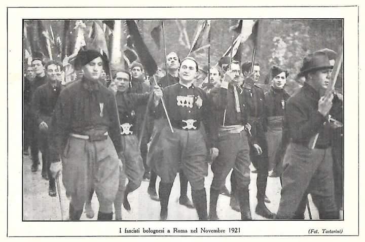 Bologna, novembre 1920: quello dI Bologna sarebbe un fascio destinato a spegnersi, nella città 'più rossa' d'Italia, se non ci fosse un protagonista come Arpinati… (prima parte) – Giacinto Reale