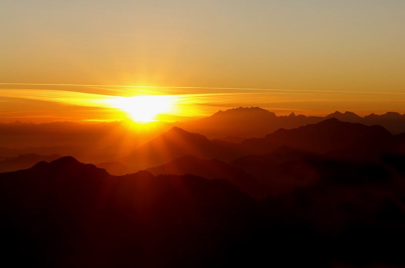 Il Ritorno oltre il tramonto: il labirinto di un'anima cangiante – Luca Valentini